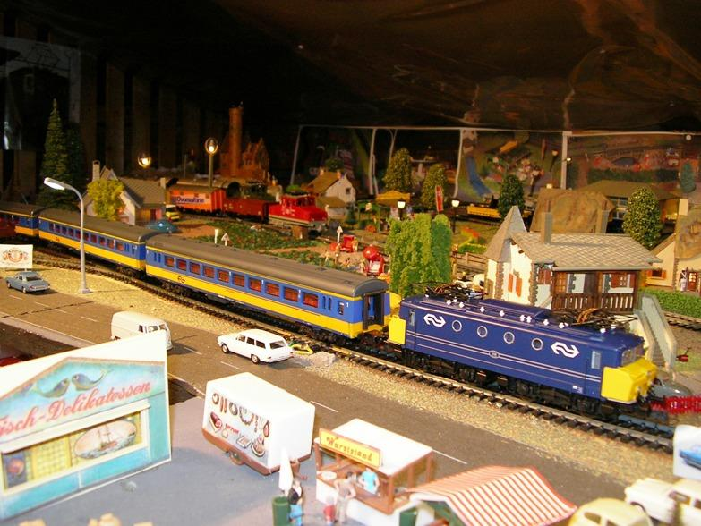 NS Serie 1110 blau / gelb Betriebsnummer 1118 8309963jvj