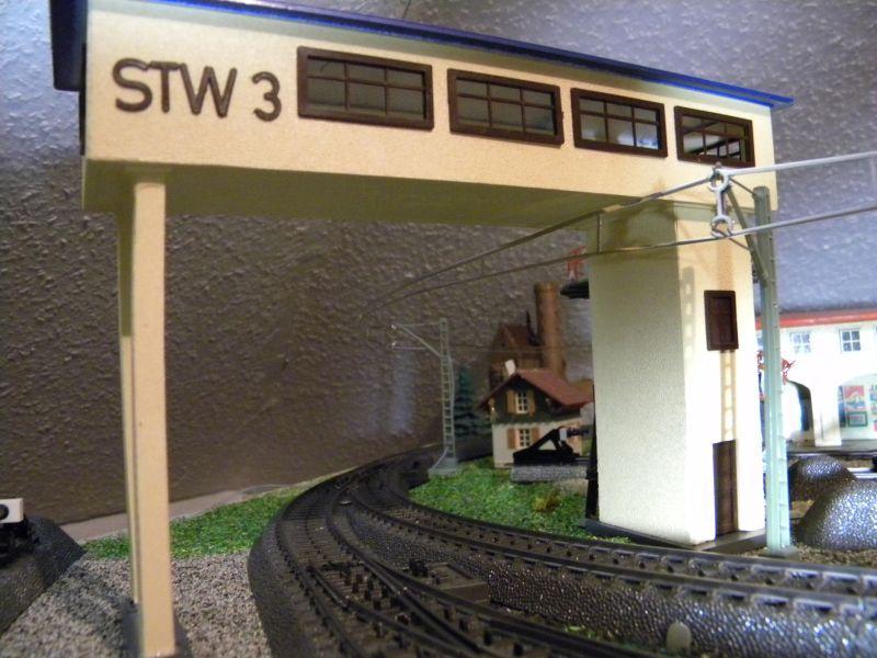 Stellwerk #3 (rd 1955) und Pullmann-Wagen #375 (ca. 1958-1960) 8476869ddg