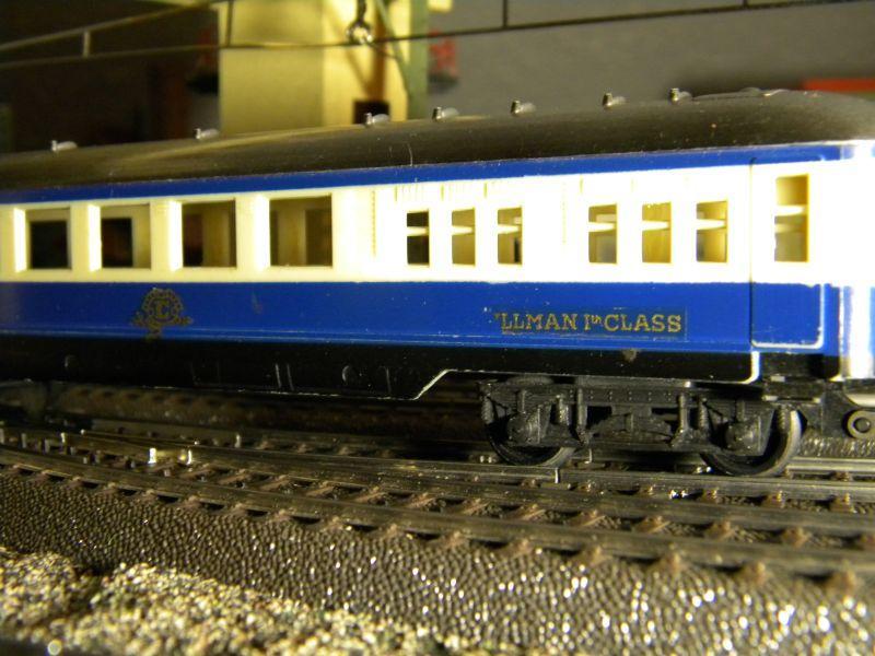 Stellwerk #3 (rd 1955) und Pullmann-Wagen #375 (ca. 1958-1960) 8476872hnu