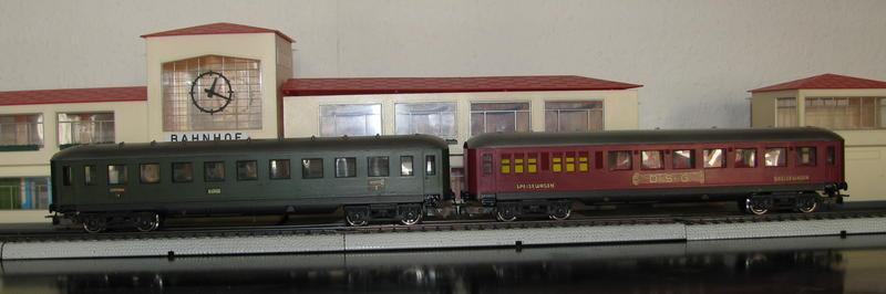 Alte Schürzenwagen im Vergleich 8488308app
