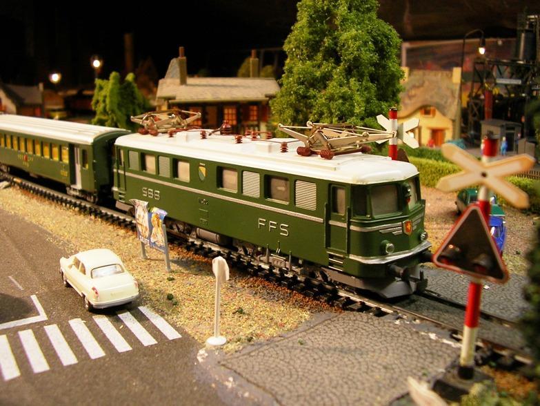 Ein Kleinbahn Nachmittag mit Modellen nach Schweizer Vorbild 8499189qku
