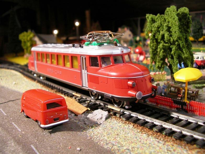 Ein Kleinbahn Nachmittag mit Modellen nach Schweizer Vorbild 8499217quj