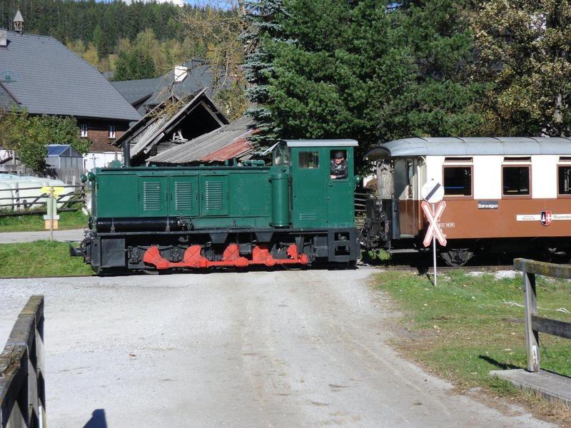 Taurachbahn: HF 200 im Personenverkehr-Einsatz 8521704xyo