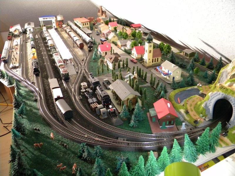 Hellau: Kleinbahnmaterial auf 3L-Gleisen von Märklin 8558397jnp