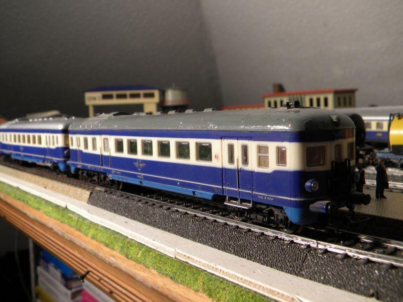Hellau: Kleinbahnmaterial auf 3L-Gleisen von Märklin 8558406kol