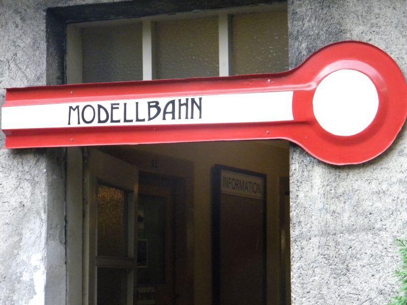 Pappbahnen (Heizhaus Strasshof, NÖ) 8609440udd