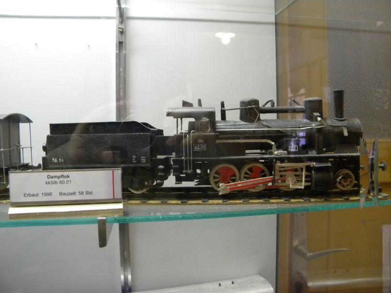 Pappbahnen (Heizhaus Strasshof, NÖ) 8609441eja