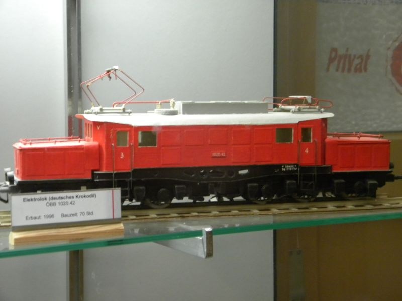 Pappbahnen (Heizhaus Strasshof, NÖ) 8609443ext