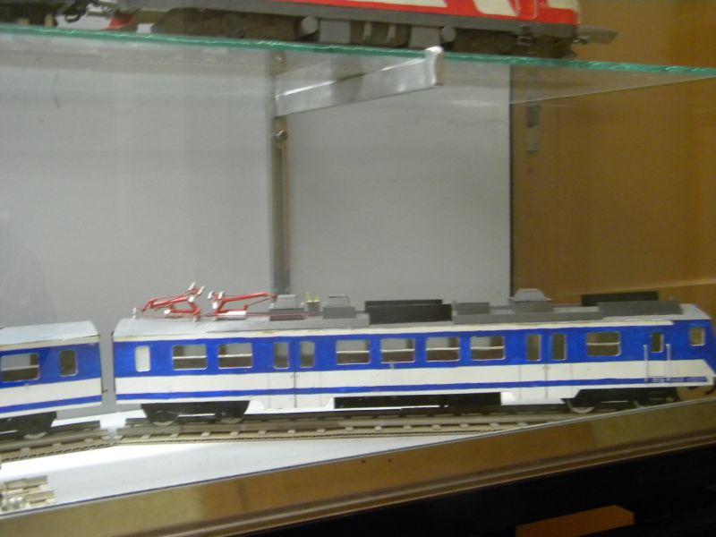 Pappbahnen (Heizhaus Strasshof, NÖ) 8609444qaj