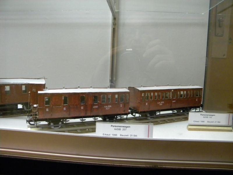 Pappbahnen (Heizhaus Strasshof, NÖ) 8609461rnu