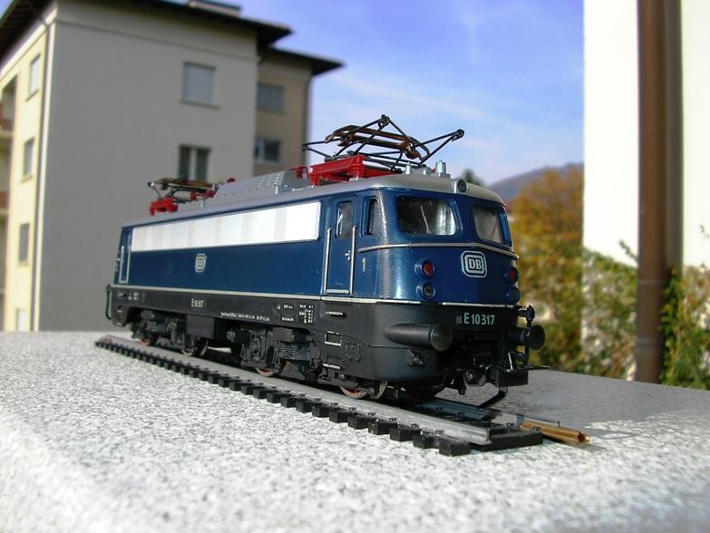 DB  E 10 317 Bügelfalte blau (Guss!) 8617245opq