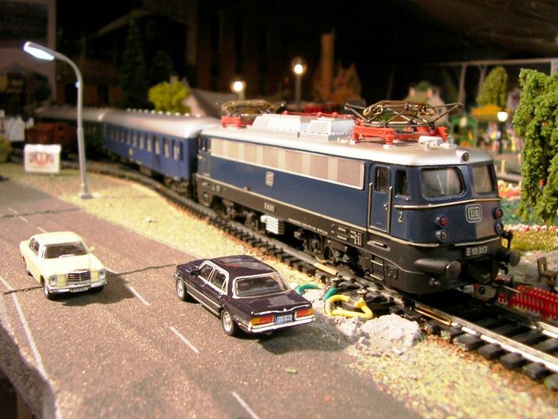 DB  E 10 317 Bügelfalte blau (Guss!) 8617261xic