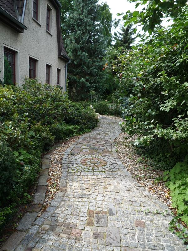 Weg in vorgarten anlegen wie seite 1 gartenpraxis for Weg garten anlegen