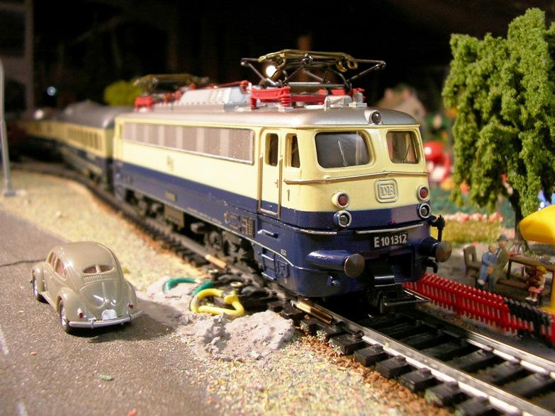 DB E 10 1312 Bügelfalte Rheingold (Guss) 8627989jzf