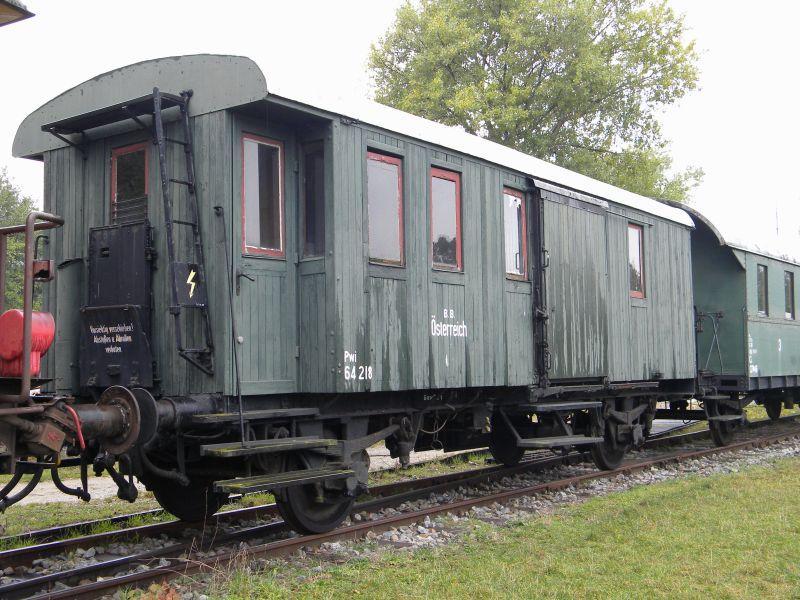 Eisenbahnmuseum Strasshof (Silberwald) - Teil III (Aussenbereich - Großteils Wagen) 8628522czz
