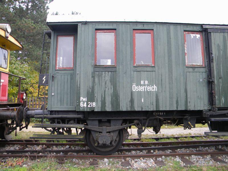 Eisenbahnmuseum Strasshof (Silberwald) - Teil III (Aussenbereich - Großteils Wagen) 8628524jee