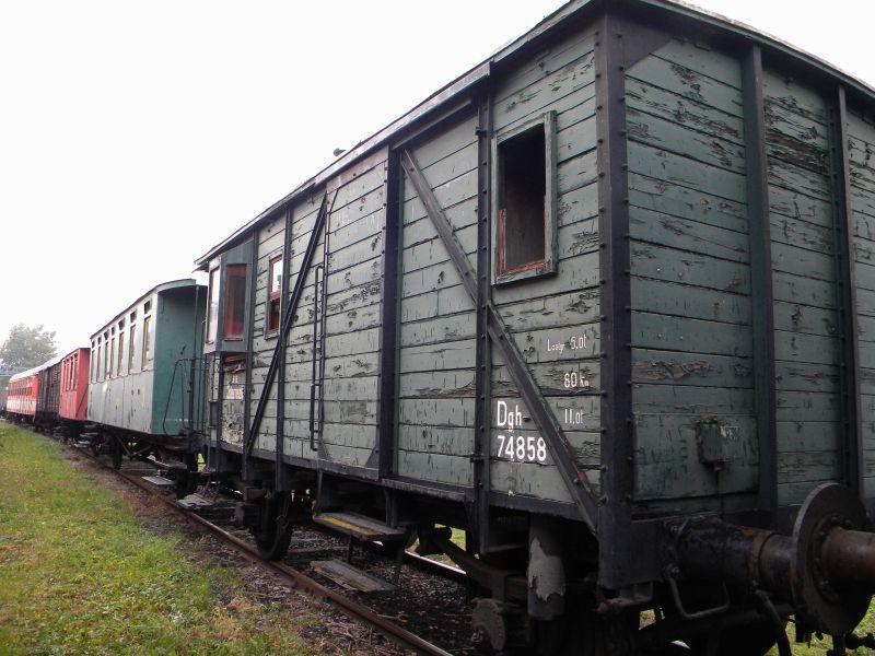 Eisenbahnmuseum Strasshof (Silberwald) - Teil III (Aussenbereich - Großteils Wagen) 8628535giv