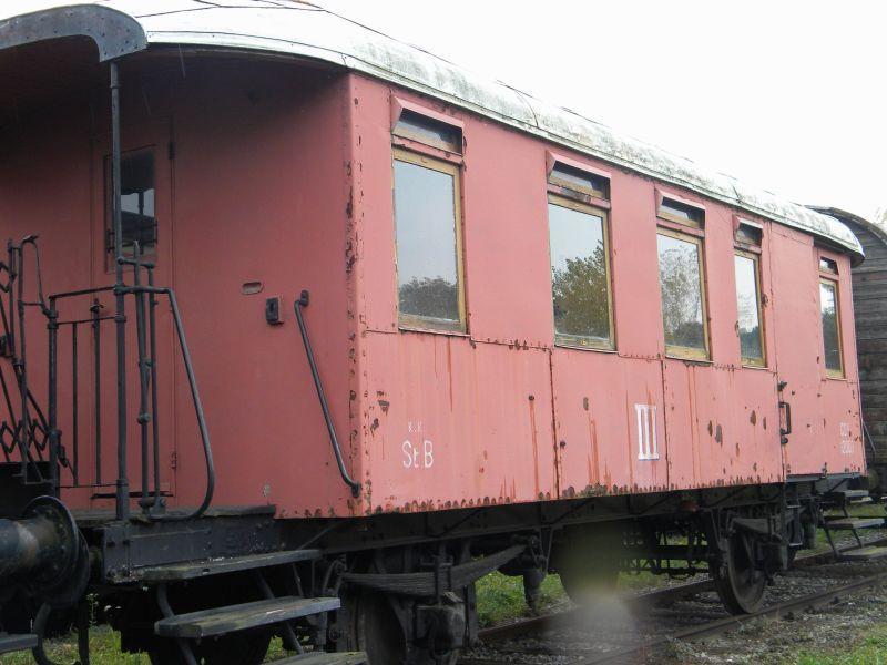 Eisenbahnmuseum Strasshof (Silberwald) - Teil III (Aussenbereich - Großteils Wagen) 8628637gmj