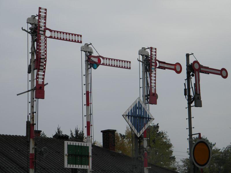 Eisenbahnmuseum Strasshof (Silberwald) - Teil III (Aussenbereich - Großteils Wagen) 8628677wcg