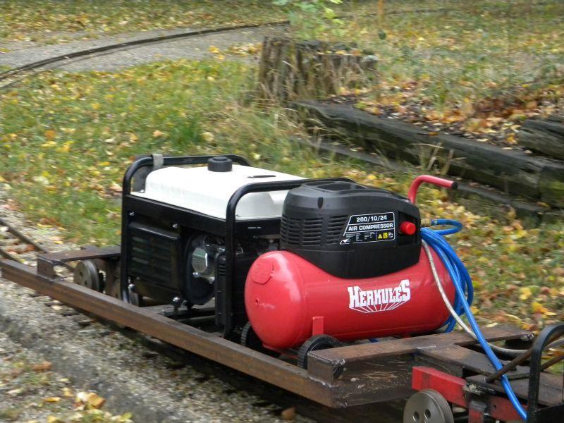 Eisenbahnmuseum Strasshof (Silberwald) - Teil III (Aussenbereich - Großteils Wagen) 8628685fpy