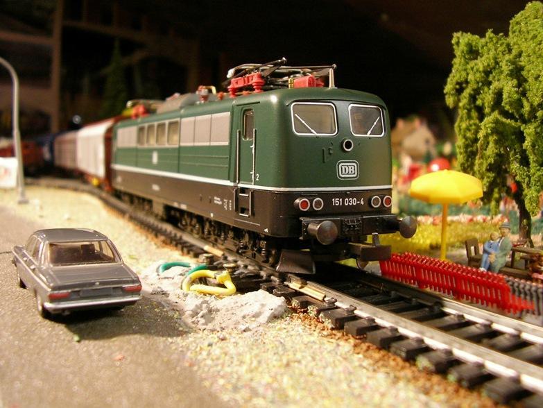 Verkehrsrote Railion Loks  8724730ppn