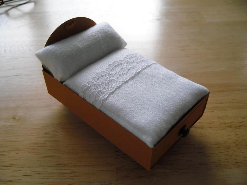 bastelwissen online thema anzeigen geldgeschenk f r ein neues bett. Black Bedroom Furniture Sets. Home Design Ideas
