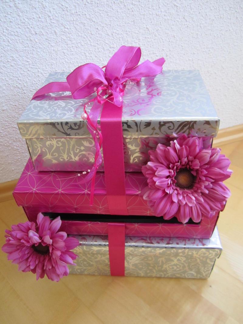 verkaufe dekosachen in fuchsia pink apfelgr n duni. Black Bedroom Furniture Sets. Home Design Ideas