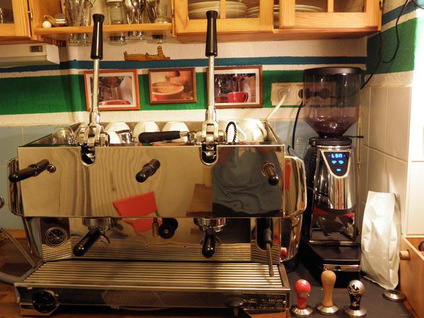 Wie sieht eure kaffee ecke aus seite 316 kaffee netz - Kaffeeflecken wand ...