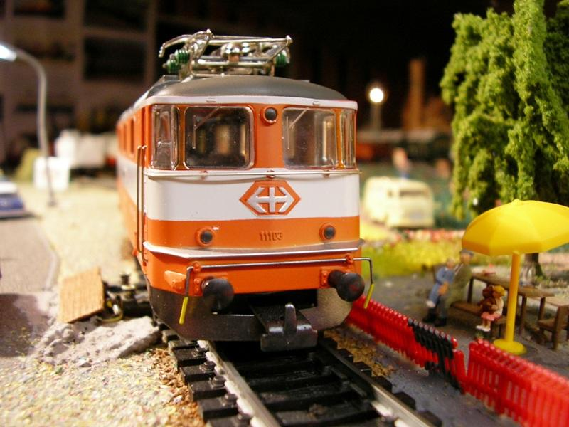 HAG SBB Re 4/4 II Swiss Express 9361573rfx