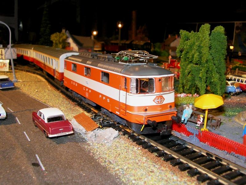 HAG SBB Re 4/4 II Swiss Express 9361574ahf