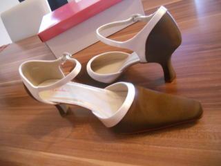 Schuhe satin einfarben