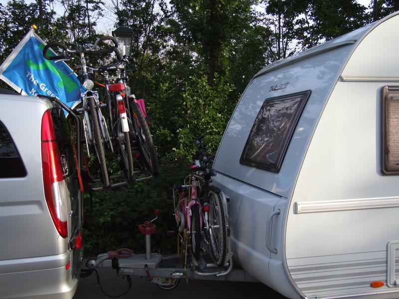 fahrradhecktr ger und wohnwagen wohnwagen und caravaning. Black Bedroom Furniture Sets. Home Design Ideas