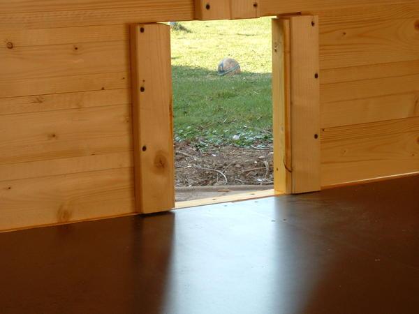 Fußboden Im Hühnerstall ~ Endlich hier fotos von meinem neuen hühnerstall ; [archiv