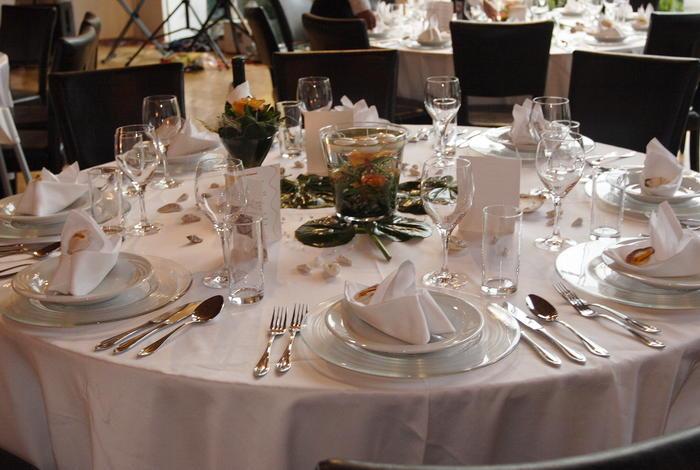 Tischdeko Hochzeit Runde Tische Elegant Vl93 Startupjobsfa