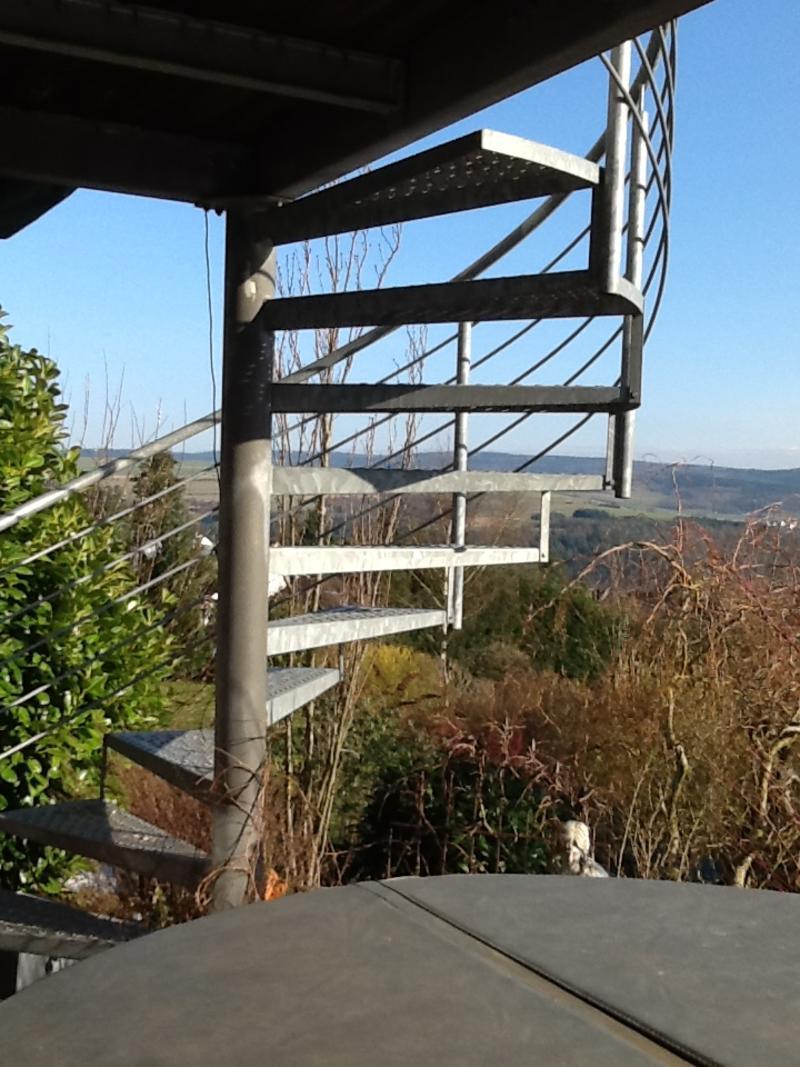 Relativ Treppe als Verbindung zwischen Balkon und Garten - Mein schöner AV37