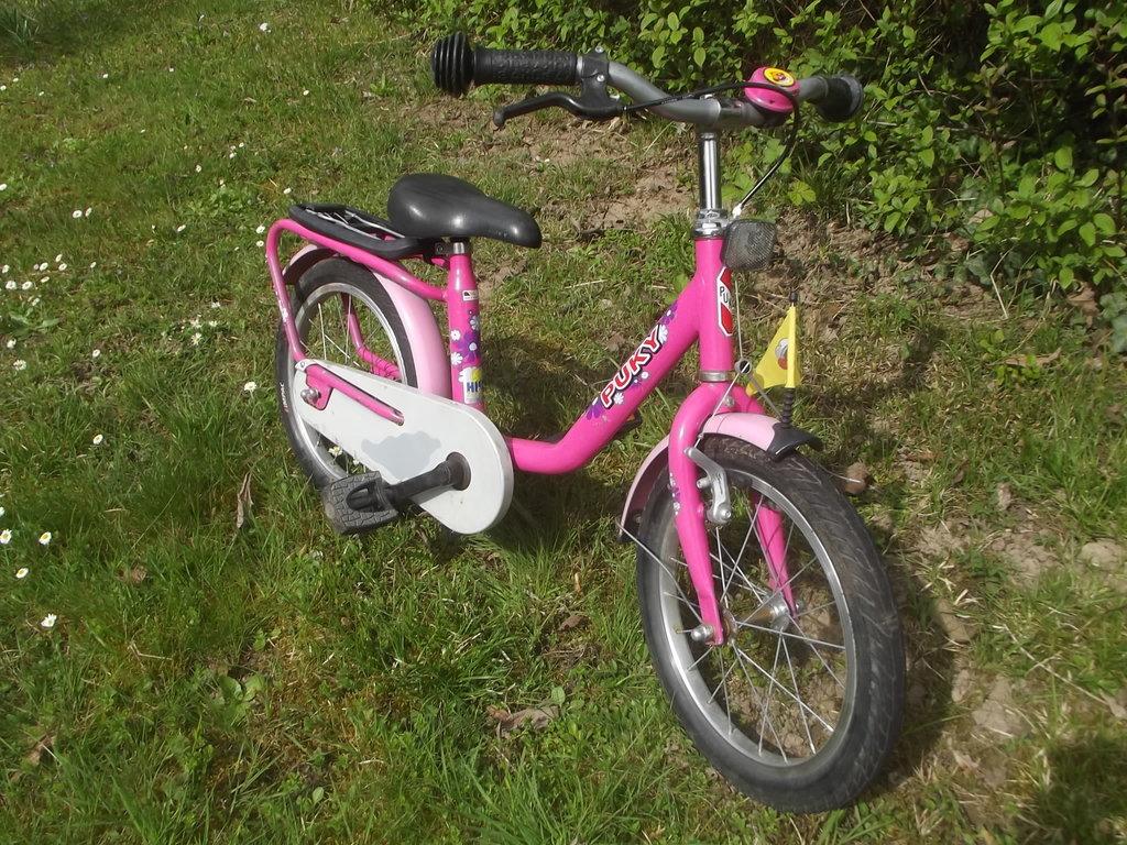 m dchen fahrrad lovely pink 16 zoll puky kinderfahrrad. Black Bedroom Furniture Sets. Home Design Ideas