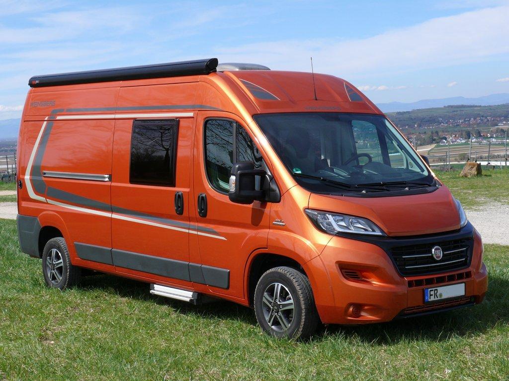 wohnmobil weinsberg carabus 601 k ic line orange 150ps. Black Bedroom Furniture Sets. Home Design Ideas