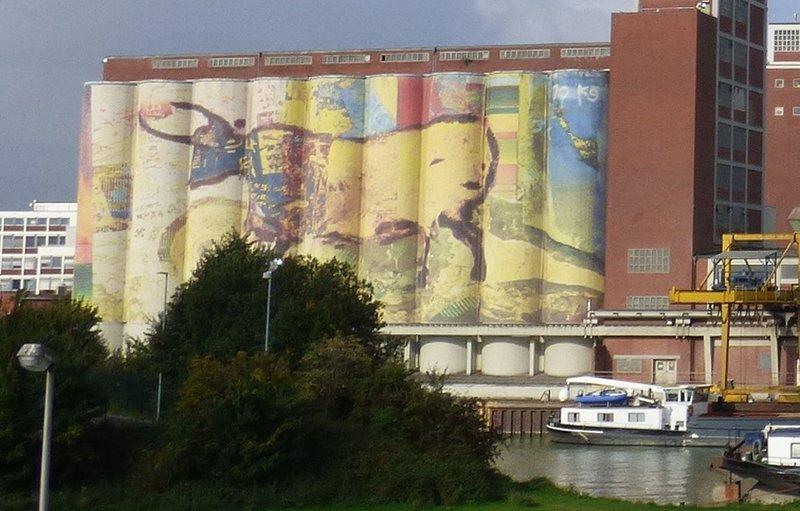 Anti Graffiti für Zweckgebäude - Seite 2 33553899ea