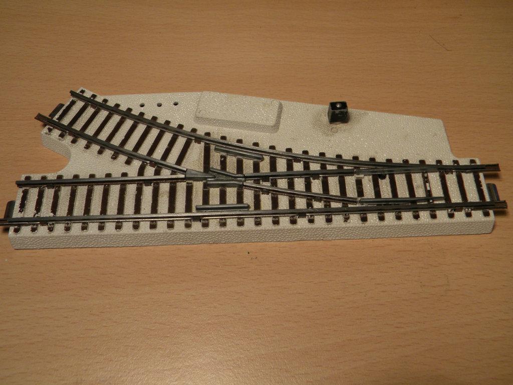 Kleinbahnschienen mit weißem Böschungskörper - Anpassung an neues rollendes Material 34359620jt