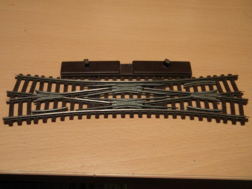 Kleinbahnschienen mit weißem Böschungskörper - Anpassung an neues rollendes Material 34359624bu