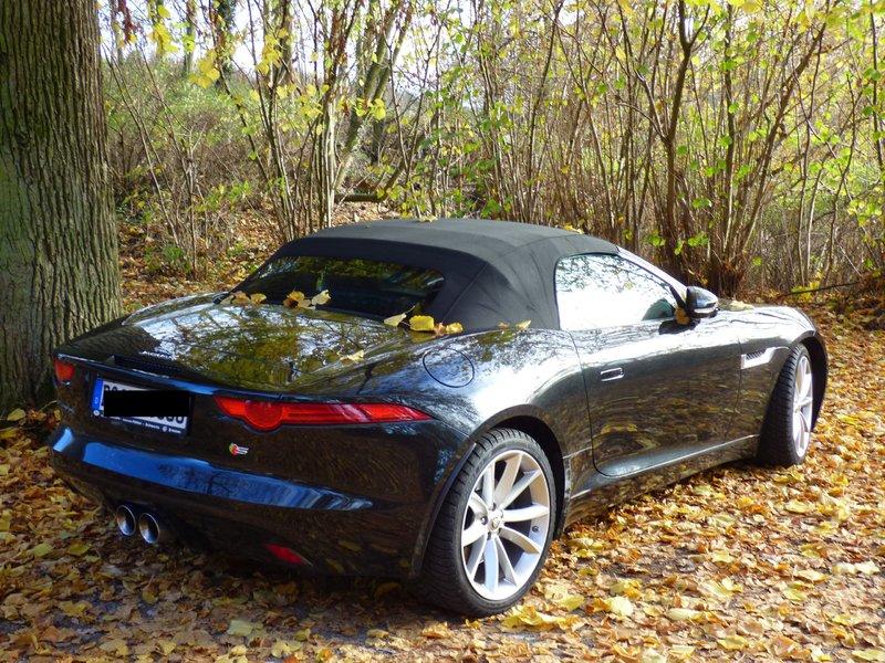 Jaguar F-Type auf nem Parkplatz schnappgeschossen 34368405eg