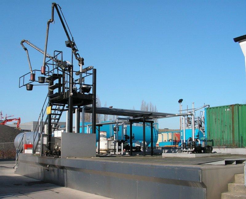 Ein Diorama mit Tanklager 34552387zp