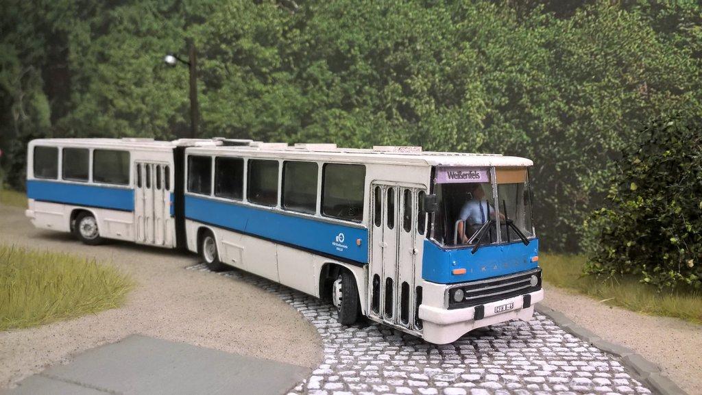 Ein Ikarus 280 In Der überlandversion