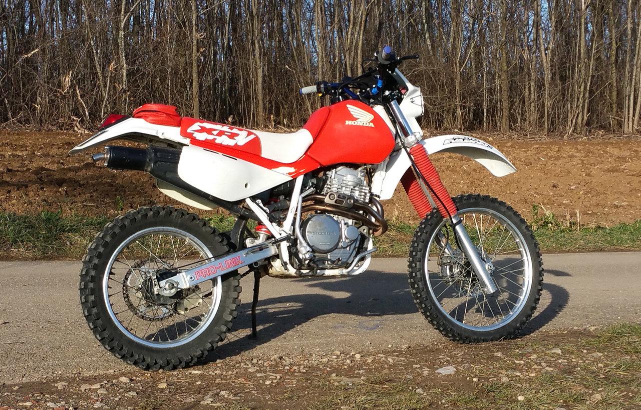 [VENDU] Honda XR600R de 1990 en très bel état 34623230xq