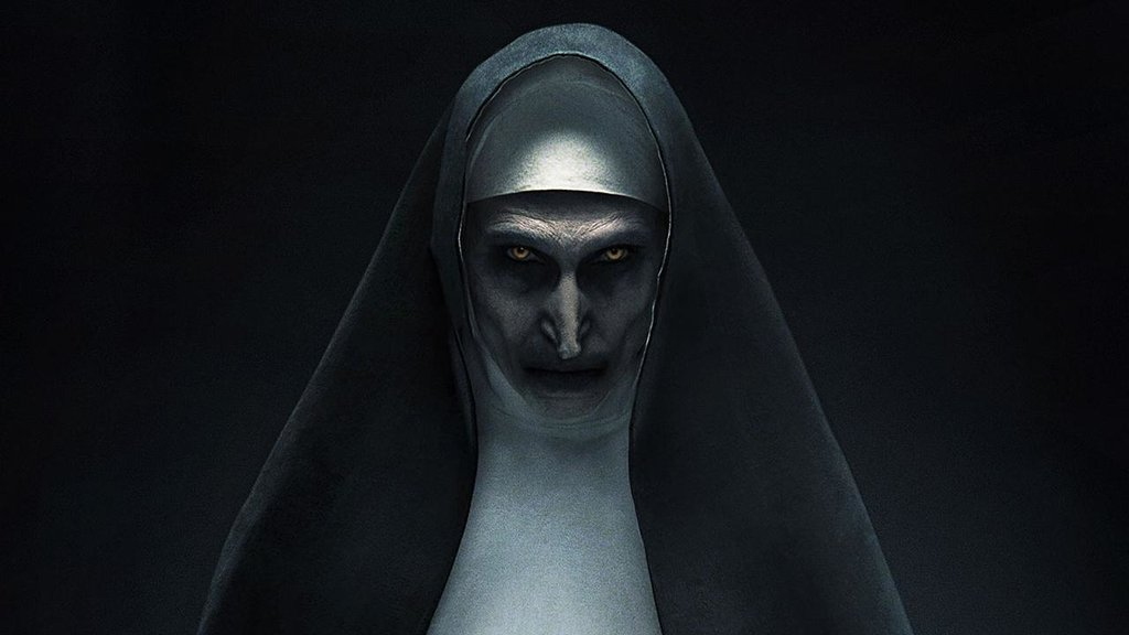 Nun Staue