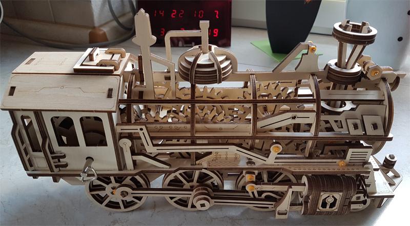 3D-Lokomotivbausatz von ROKR 34989459vo