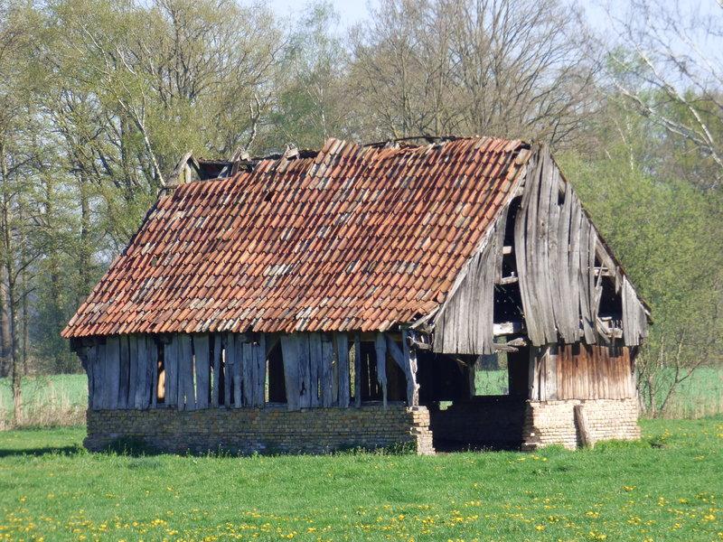 Standfeste ländliche Architektur  ..... 35579771td