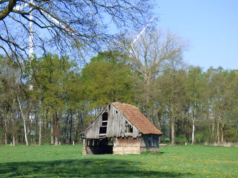 Standfeste ländliche Architektur  ..... 35579774xt