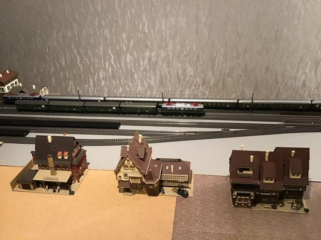 DB E10/E40/E41/110/140/141 im Einsatz 35585360bi