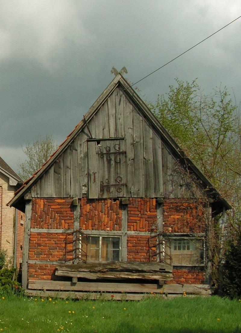 Standfeste ländliche Architektur  ..... 35593445sm